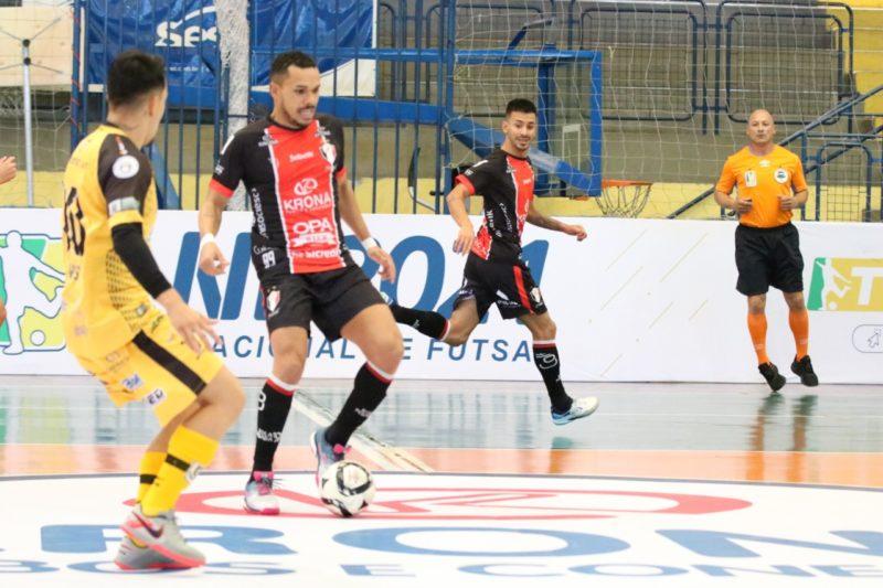 JEC/Krona volta a jogar pela Liga Nacional e quer quebrar sequência de derrotas na competição – Foto: Juliano Schmidt/JEC/Krona/Divulgação/ND