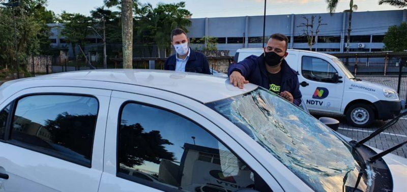 Equipe estava trabalhando no sábado à noite, cumprindo a missão de informar, e foi covardemente atacada. – Foto: Jean Balbinotti/Divulgação ND