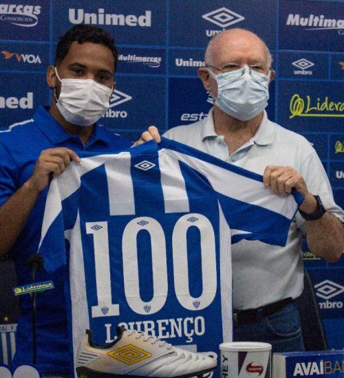 Lourenço realizou uma breve passagem pelo Santa Cruz em 2020 e marcou seis gols com a camisa do Avaí – Foto: André Palma Ribeiro/Avaí/ND
