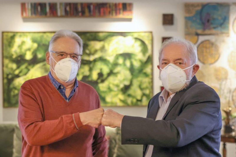 Ex-presidentes Fernando Henrique Cardoso e Lula se encontram em almoço – Foto: Ricardo Steuckert/Reprodução/Redes Sociais