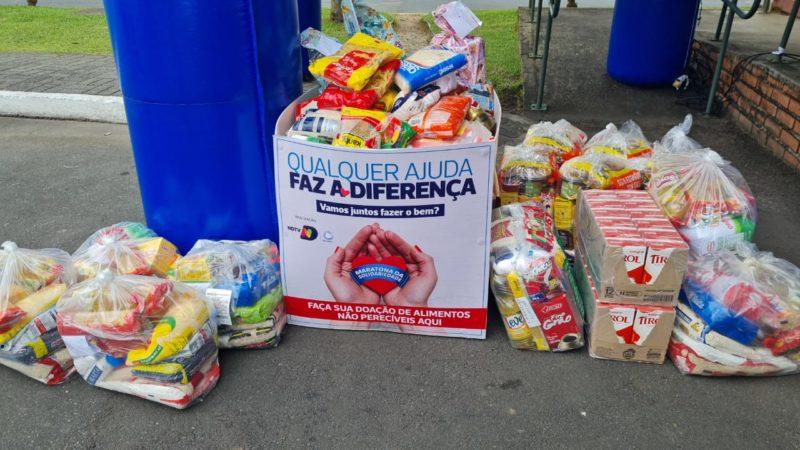 Cerca de 500 kg de alimentos foram arrecadados na ação e vão ajudar dezenas de famílias – Foto: Divulgação