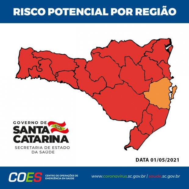 Apenas a região da Grande Florianópolis se manteve no nível grave (laranja) – Foto: Divulgação/SES/ND