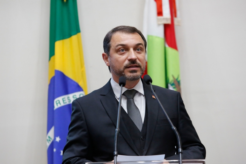 Governador Carlos Moisés recebeu quatro votos pela absolvição- Foto: Arquivo/Agência Alesc/Divulgação/ND