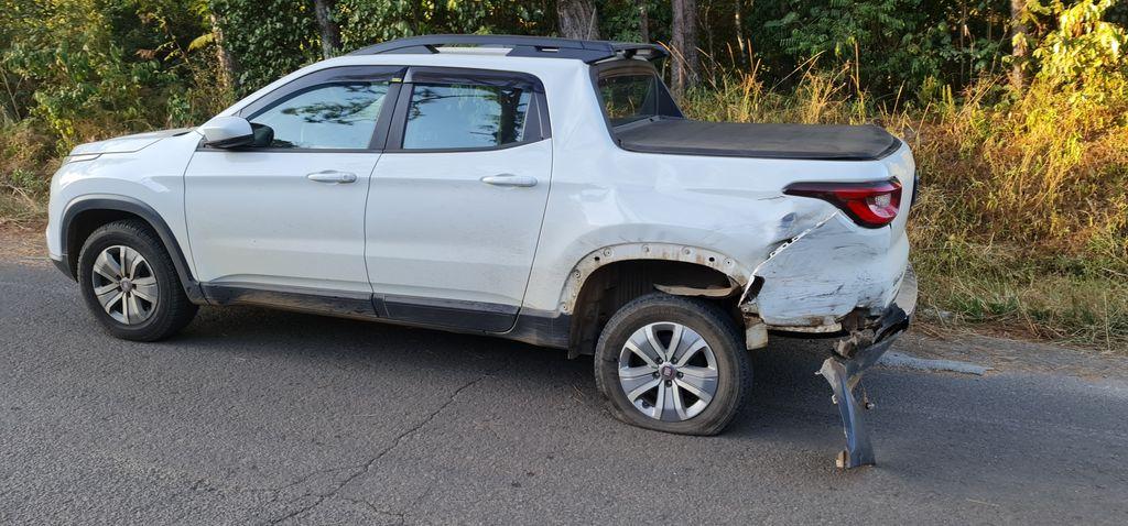 Condutor do Fiat Toro, com placas de Ouro, não se feriu - Portal Éder Luiz/Divulgação ND
