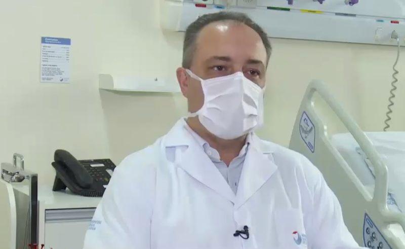 Pierre Otaviano Barbosa, coordenador da UTI do Hospital Dona Helena – Foto: Reprodução vídeo/Divulgação ND