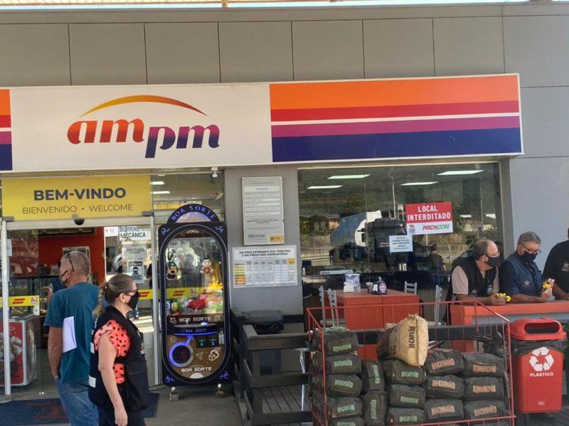 Posto de combustível foi interditado nesta segunda-feira – Foto: Procon/SC/Divulgação