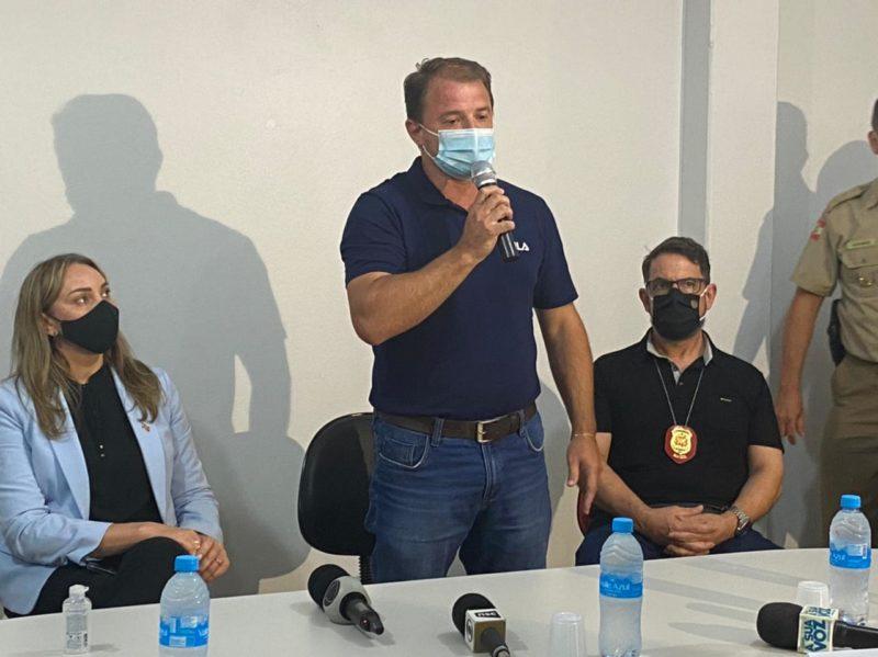 Prefeito Maciel Schneider falou sobre a tragédia que atingiu a cidade – Foto: Willian Ricardo/ND