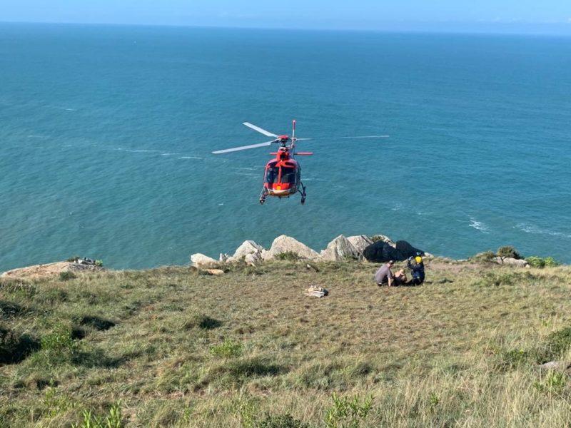 Os socorristas foram acionados para atender a ocorrência por volta das 13h35 deste sábado (8), na Praia da Lagoinha do Leste. – Foto: Divulgação/ND