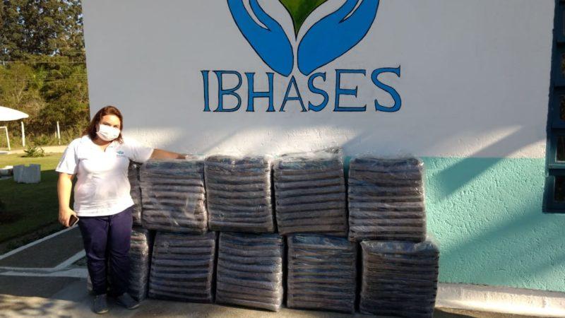 Cobertores arrecadados e doados durante campanha da Fundação Somar em 2020 – Foto: PMF/Divulgação/ND