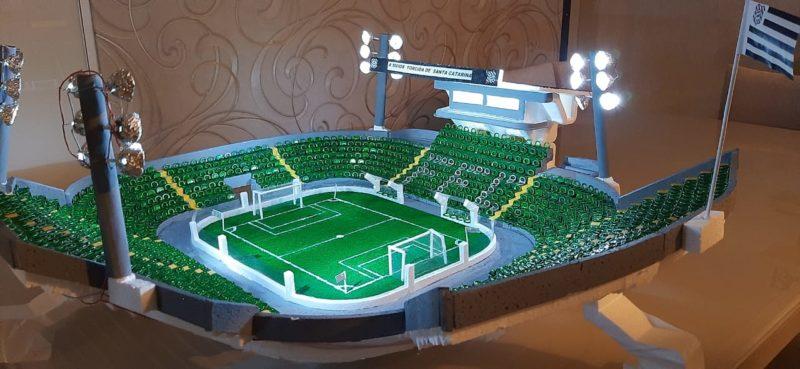 """Vista """"aérea"""" da maquete do Estádio Orlando Scarpelli – Foto: Família Macário/ND"""