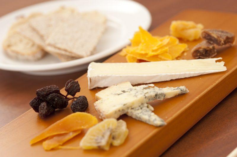 Os queijos devem ser compatíveis com os certos modelos de cervejas, para que sejam apreciados em harmonia – Foto: Pixabay/Reprodução/ND
