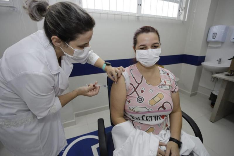 Vacinação contra a Covid-19 nesta terça-feira (25) ocorrerá em pontos fixos e Sead – PMF/Divulgação/ND