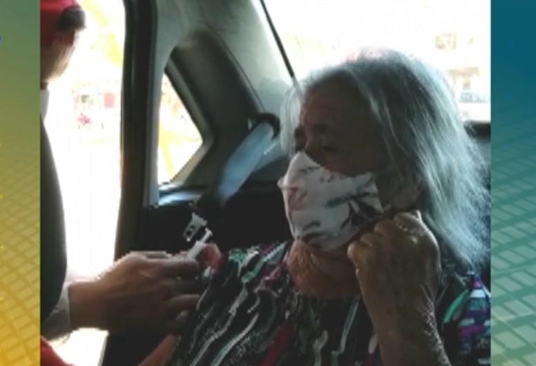 Caso ocorreu durante a aplicação da primeira dose da vacina na idosa de 89 anos