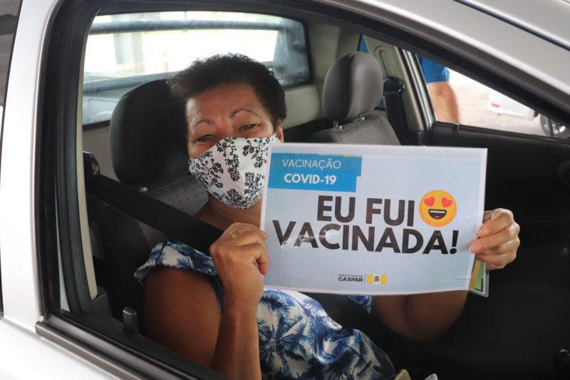Moradores de Gaspar são estimulados a compartilhar a boa notícia – Foto: Ana Carolina Morello/PMG