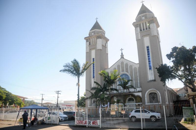 Atual estrutura da igreja matriz de Biguaç