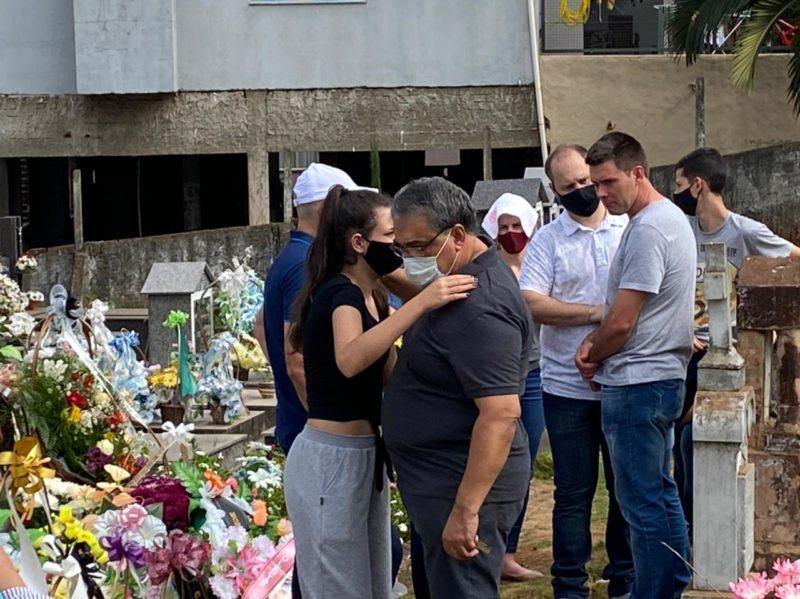 sepultamento das vítimas do Ataque a creche em Saudades, no Oeste de Santa Catarina