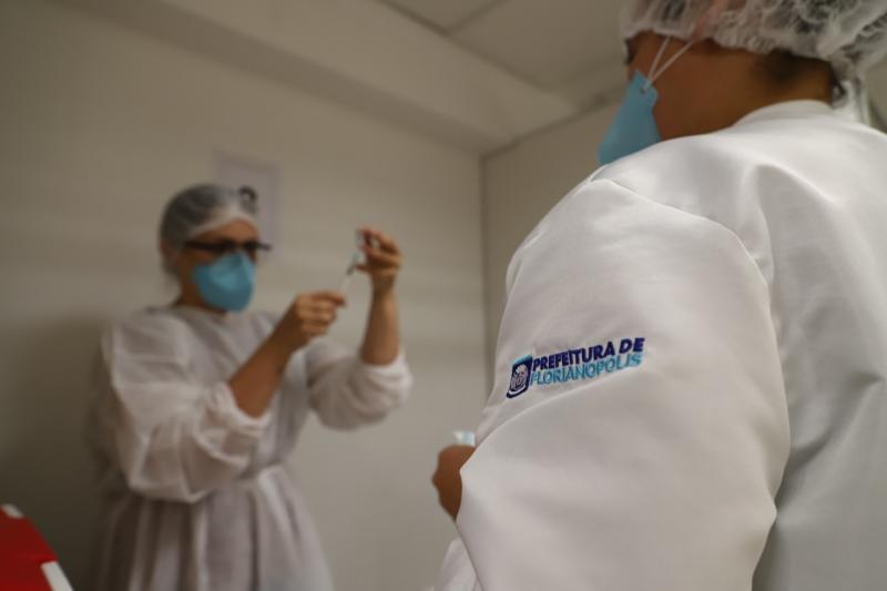 Vacinação contra a influenza ocorre em 48 centros de saúde de Florianópolis – Foto: PMF/Divulgação/ND
