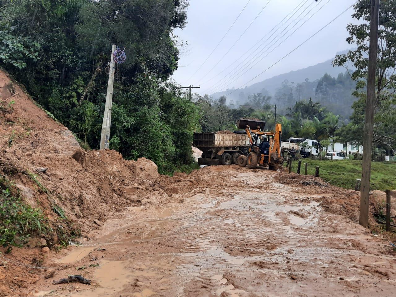Deslizamentos de terra e alagamentos foram registrados em Tubarão - Divulgação/PMT/ND