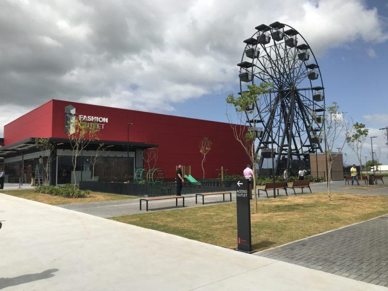 Uma das grandes empresas instaladas no município é o Fashion Outlet Santa Catarina – Foto: Divulgação/ND