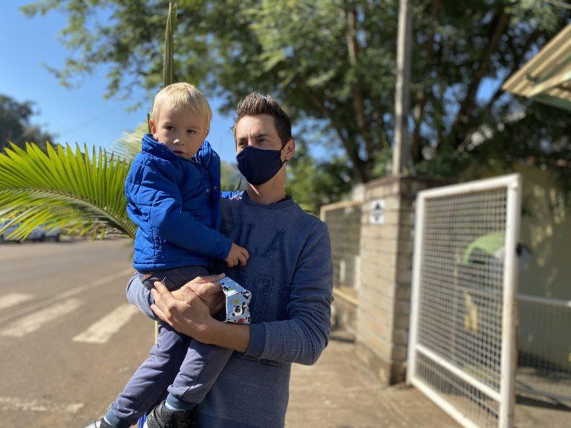Pai foi buscar o filho na creche – Foto: Willian Ricardo/ND