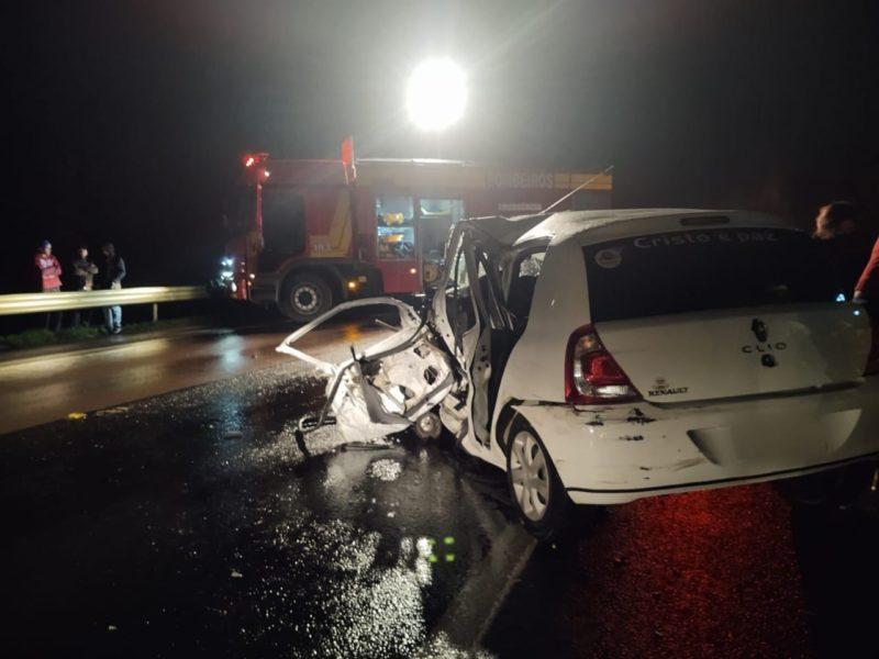 Motorista do Clio precisou ser encaminhado ao hospital