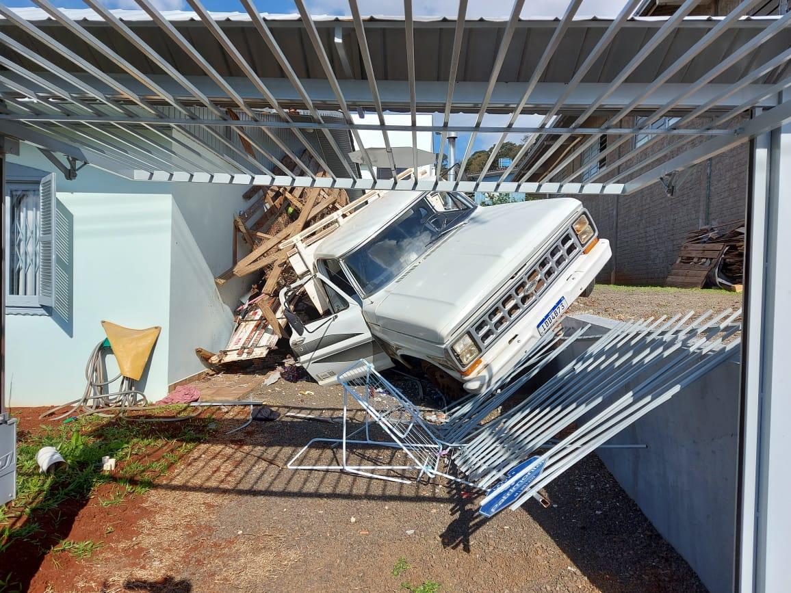 Acidente aconteceu no começo da tarde - Rodrigo Gonçalves/NDTV/ND