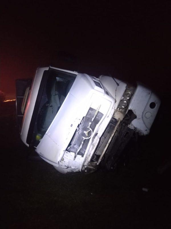 Acidente ocorreu na madrugada desta terça-feira (1º) – Foto: PMRv/Divulgação