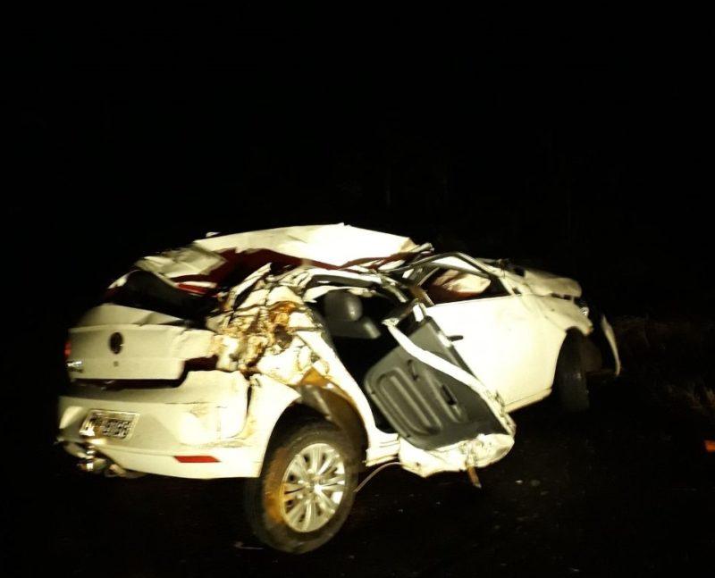 Jovem que estava no banco do carona morreu devido à gravidade dos ferimentos – Foto: Corpo de Bombeiros/Divulgação/ND