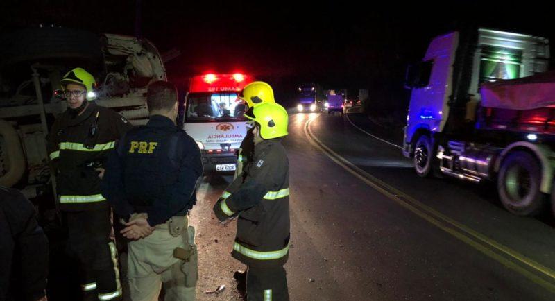 O acidente aconteceu por volta das 19h40, na altura do km 111 da rodovia, região conhecida como serra de Ibirama. – Foto: Gabriela Milanezi/NDTV Blumenau
