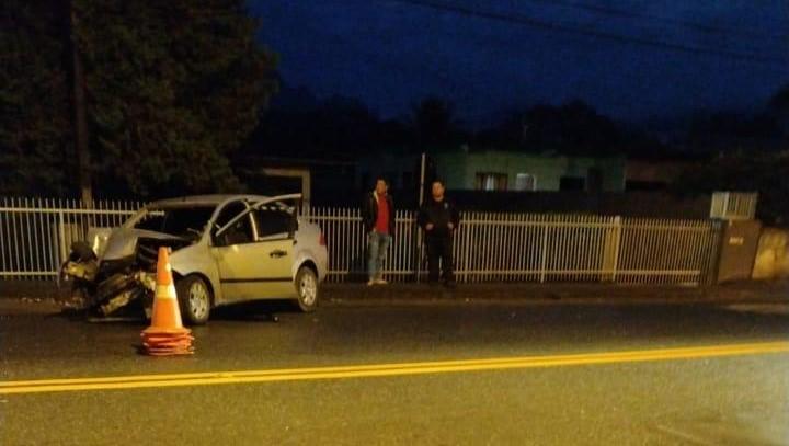 Acidente no bairro Vila Nova aconteceu na madrugada desta quinta (24) – Foto: Redes sociais