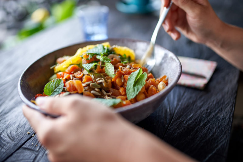 Alimentação vegana oferece todos os nutrientes necessários para o funcionamento correto do organismo – Foto: iStock/Divulgação