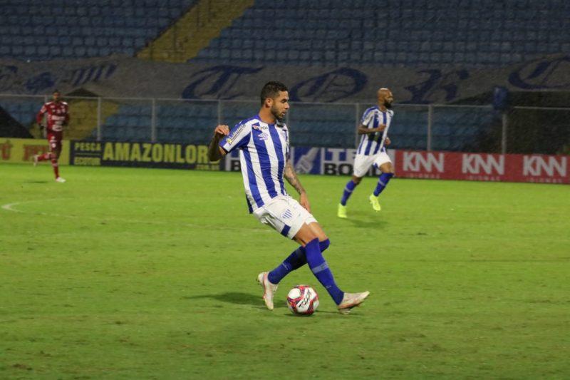 Renato, do Avaí, autor do passe para o gol de Bruno Silva – Foto: André Palma Ribeiro/Avaí FC