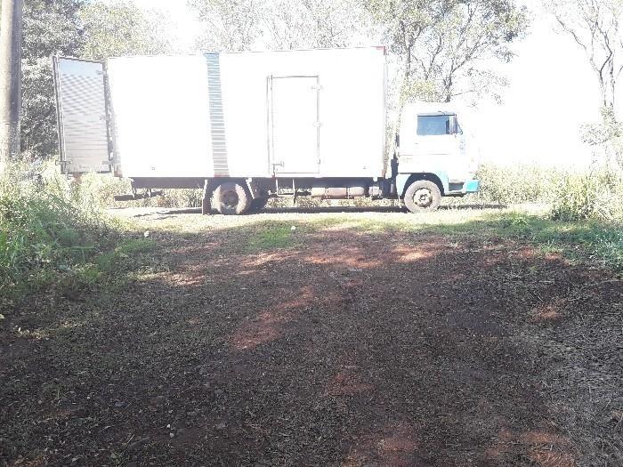 Caminhão teria sido levado até uma estrada de terra no interior do Município – Foto: Polícia Militar/Divulgação/ND