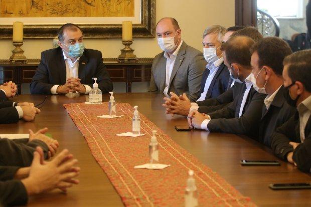 Reunião ocorreu na manhã desta terça-feira (1º). – Foto: Mauricio Vieira/Secom