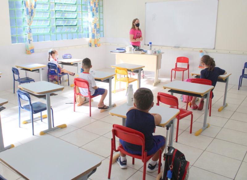 Distância entre alunos será diminuída para um metro – Foto: Ana de Mattia/Decom/ND