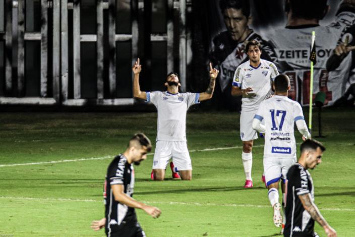 Leão da Ilha dominou o Gigante da Colina e construiu vitória logo nos 45 minutos iniciais – Foto: Daniel Brasil/Estadão Conteúdo