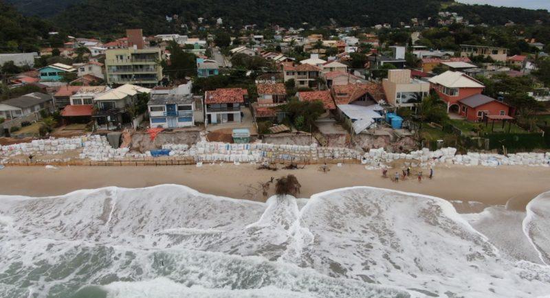 Ciclone e chuva deixam em alerta moradores do Morro das Pedras, em Florianópolis