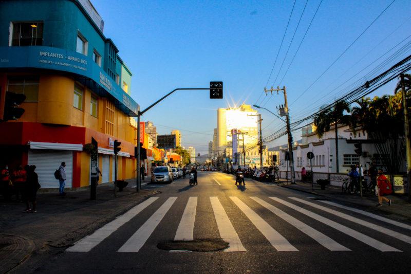 A avenida Coronel Marcos Konder, que corta toda área central de Itajaí, passa a ter sentido único com novas alterações – Foto: Marcos Porto/Prefeitura de Itajaí/Divulgação