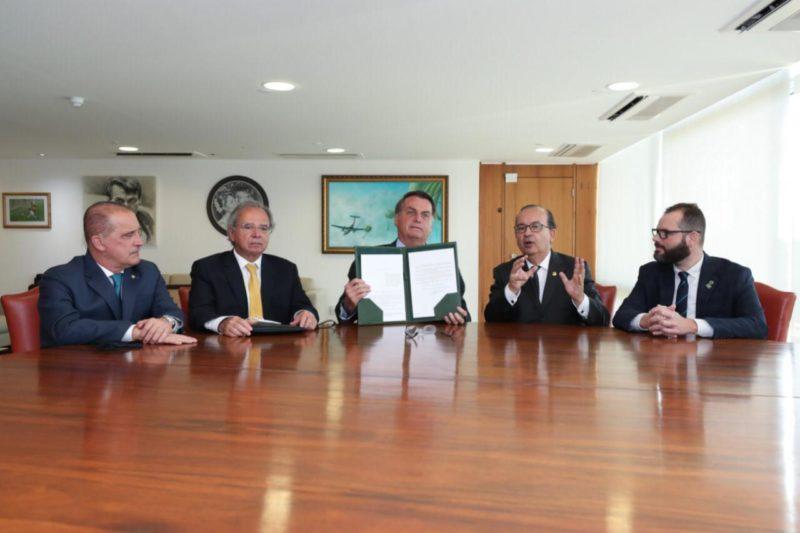 Projeto do senador Jorginho Mello foi sancionado nesta quarta-feira pelo presidente Jair Bolsonaro – Foto: Divulgação