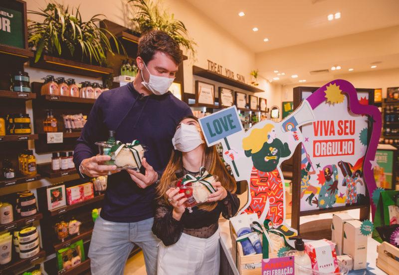 Campanha da The Body Shop, neste Dia dos Namorados, comemora o amor, o respeito e a liberdade – Foto: Isis Lacombe/ND