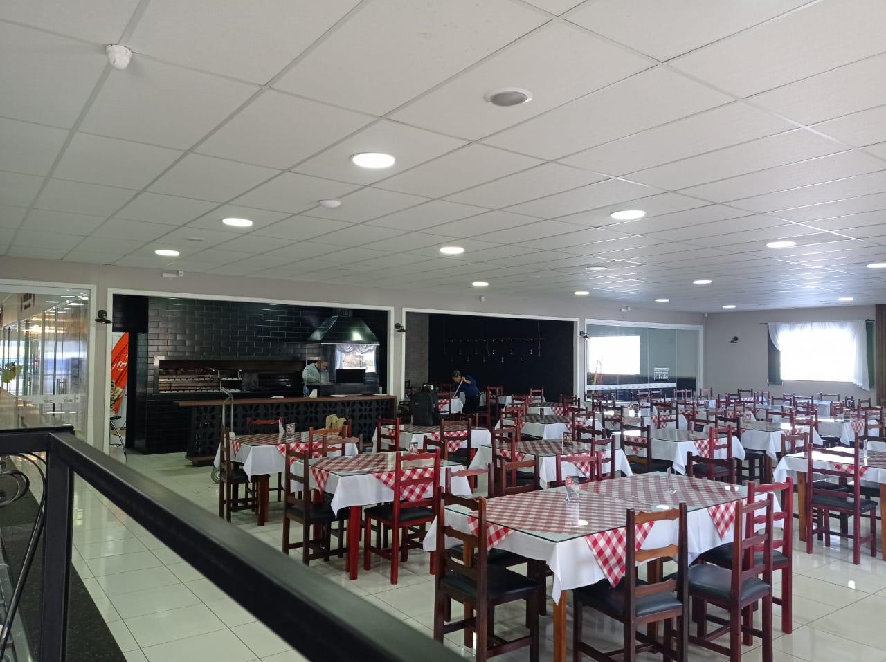 Restaurante vai atender nesta quarta-feira (2) depois de quatro dias sem energia elétrica por causa do tornado - Dalvan Pereira/Divulgação/ND