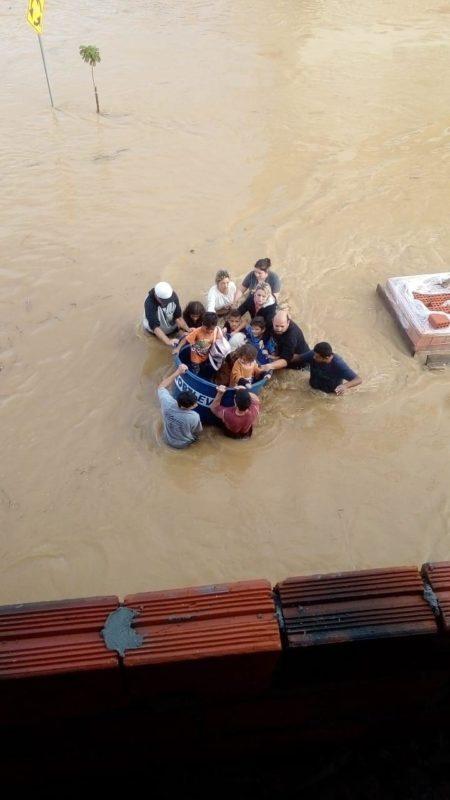 Impactos da chuva em Camboriú, no Litoral Norte de SC, em junho de 2021 – Foto: Camboriú 10