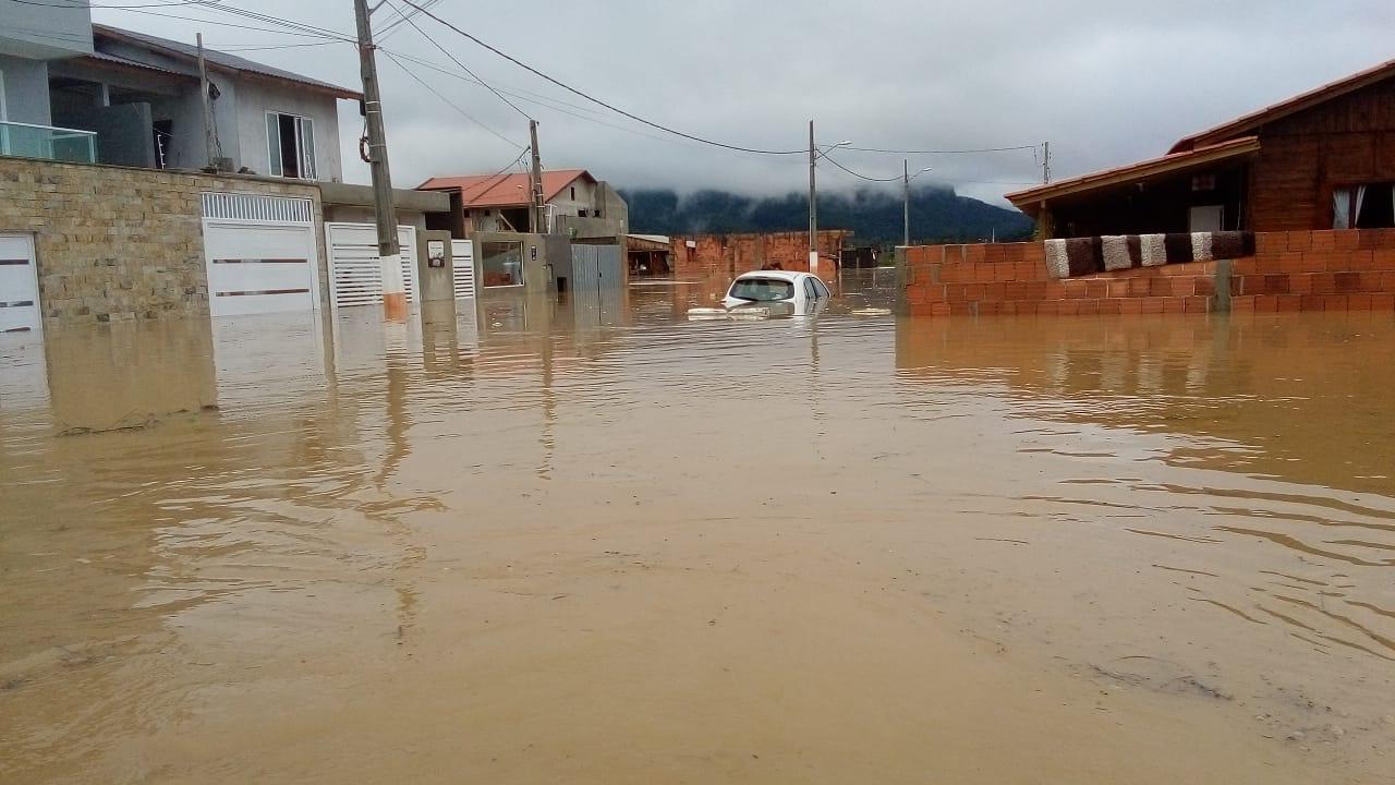 Imagens impressionantes mostram Camboriú, no Litoral Norte de SC, debaixo d'água - Camboriú 6