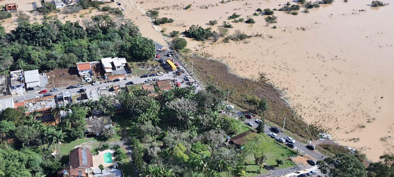 Canelinha tem 146 pessoas fora de casa após fortes chuvas - CBMSC/Divulgação