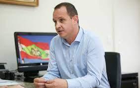 Secretário Jorge Tasca explica como será o piso remuneratório – Foto: ND