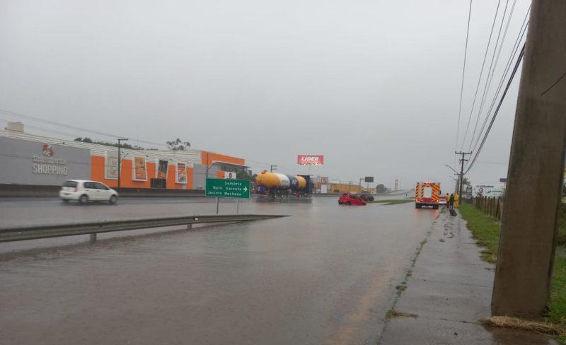 SC tem risco de chuvas e fortes rajadas de vento nesta quinta-feira (24) – Foto: CBMSC/Divulgação/ND