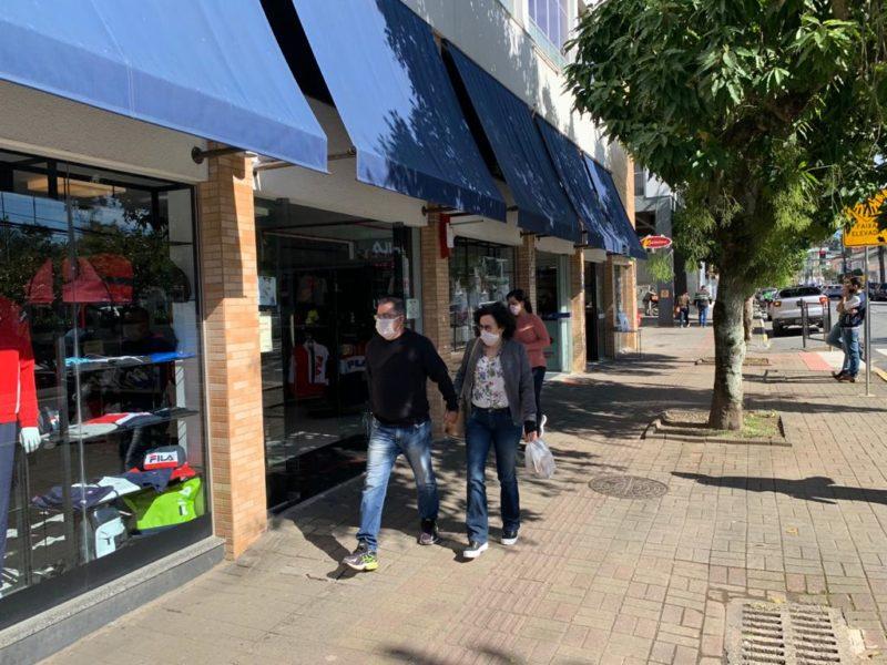 Comércio de rua de Joinville tem horário prolongado no próximo sábado (12) – Foto: CDL Joinville/Divulgação