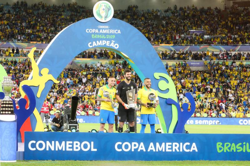 Seleção Brasileira é a atual campeã da Copa América. O Brasil deve novamente sediar a competição agora em 2021, apesar da polêmica. Foto: Clauber Cleber Caetano/PR – Foto: Clauber Cleber Caetano/PR