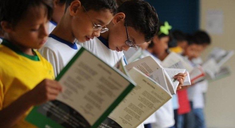 Orçamento represado prejudica entrega de livros para o próximo semestre – Foto: Marcello Casal Jr/Agência Brasil/Divulgação/ND