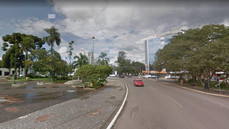 Duas funcionárias de escola técnica foram feridas por faca; suspeito é um jovem de 23 anos – Foto: Google Street View/Divulgação/ND